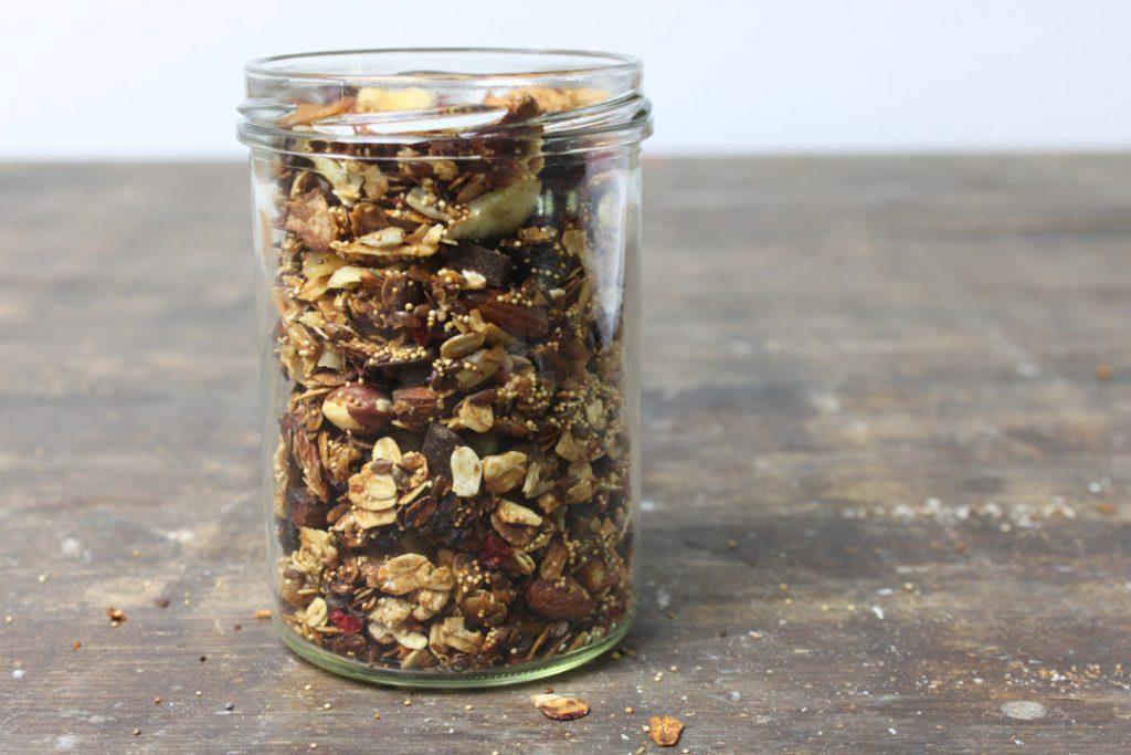 Luftdicht aufbewahrt bleibt das Granola lange knusprig