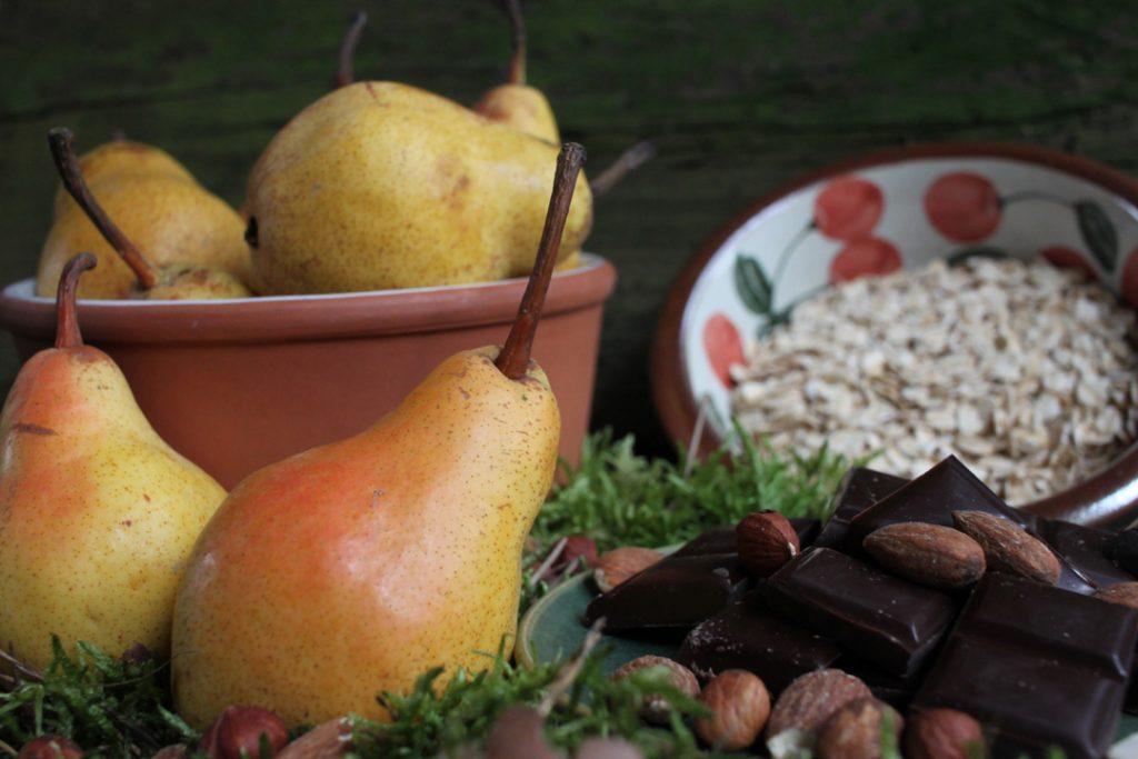 Die Zutaten für die Birnen-Tarte bereit legen