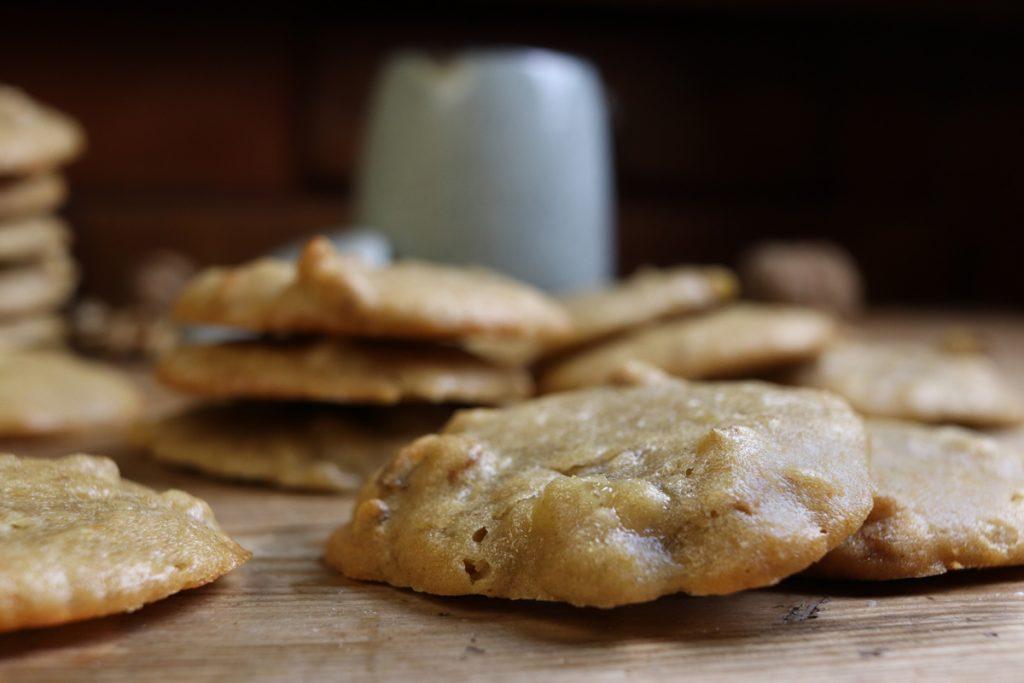 Bringen Abwechslung auf euren Kaffeetisch: Vegane Bananen-Walnuss-Kekse