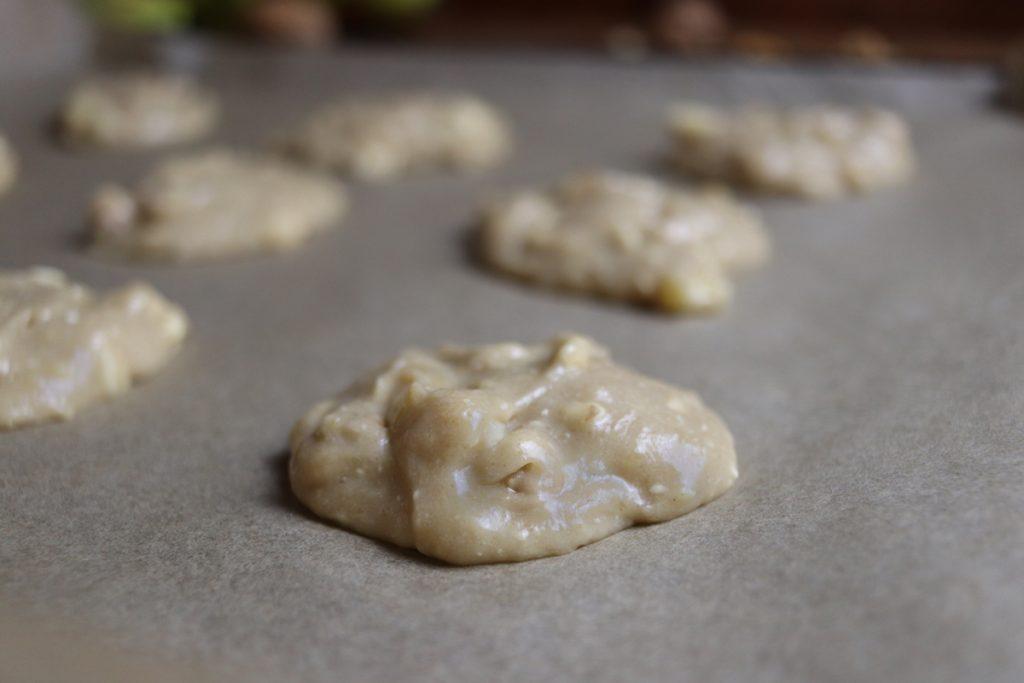 Die Kekse im vorgeheizten Backofen circa 15 bis 20 Minuten backen