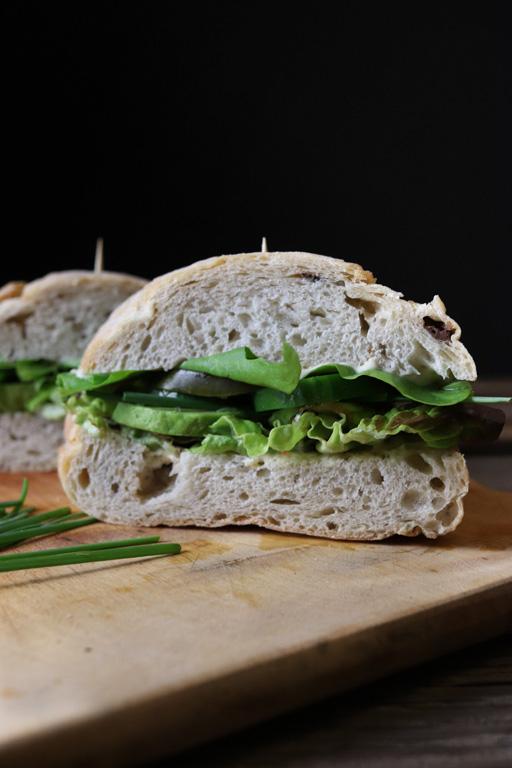 Veganes Picknick: Sandwiches sind praktisch unterwegs